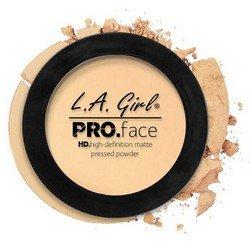 Матирующая пудра для лица - L.A. Girl Pro Face Matte Pressed Powder Classic IvoryРумяна и пудра<br>Очень тонкая почти незаметная на лице пудра надежно матирует кожу, содержит питательные вещества, увеличивает стойкость макияжа<br>
