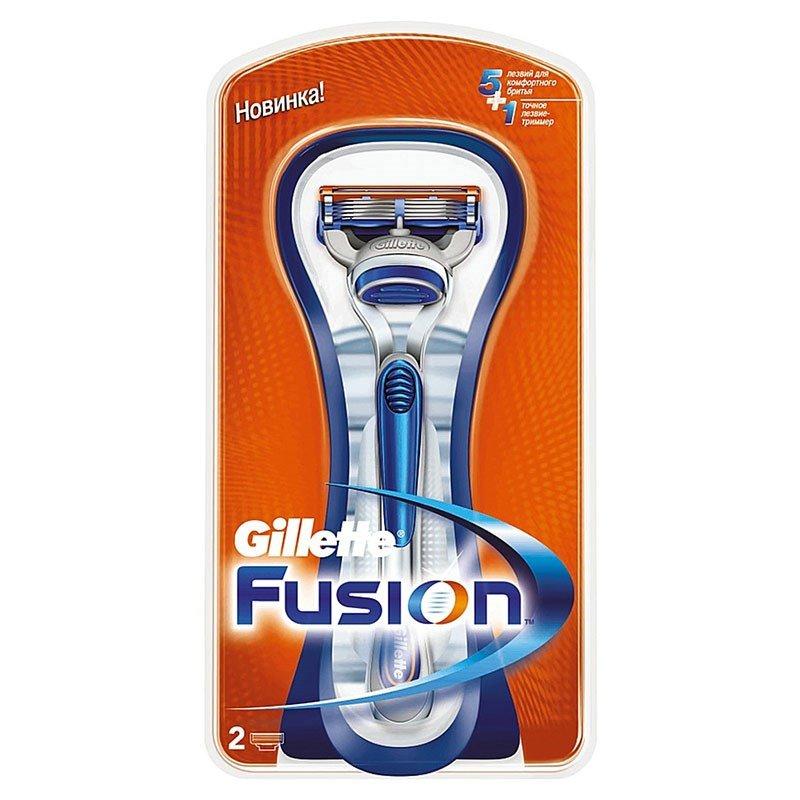 Gillette Fusion Бритва с 2 сменными кассетамиПены и гели для бритья<br>Технология из 5 лезвий обеспечивает меньшее  давление на кожу. Улучшенная увлажняющая полоска обеспечивает плавное скольжение и увлажнение кожи<br>